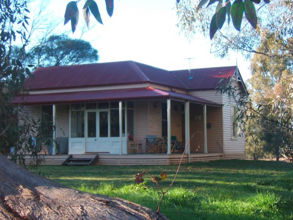 Baranduda Homestead BB Cottages - Tourism Canberra