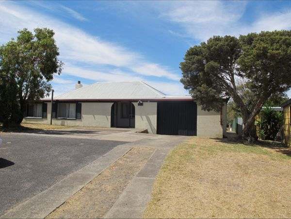 Carthew Street Holiday Home - Tourism Canberra