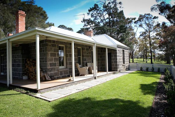 Barunah Plains Station - Cool Cottage - Tourism Canberra