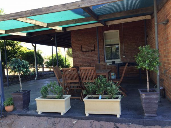 Corryong Holiday Cottages - Sportsview - Tourism Canberra