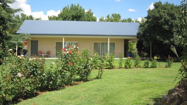 Cottonwoods Accommodation - Tourism Canberra