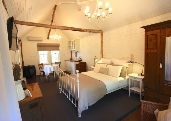 Laggan Cottage Bed and Breakfast - Tourism Canberra
