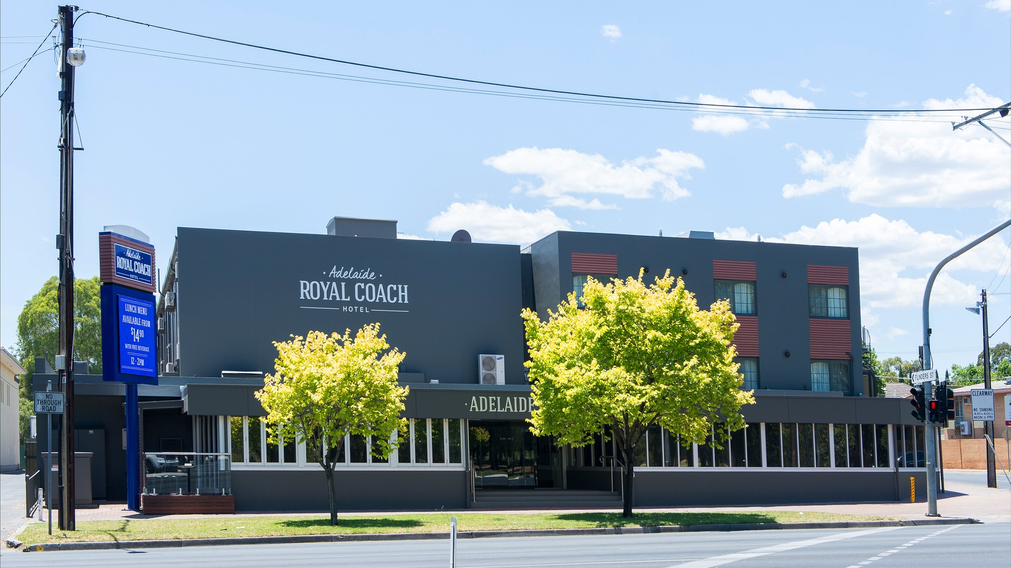 Adelaide Royal Coach - Tourism Canberra