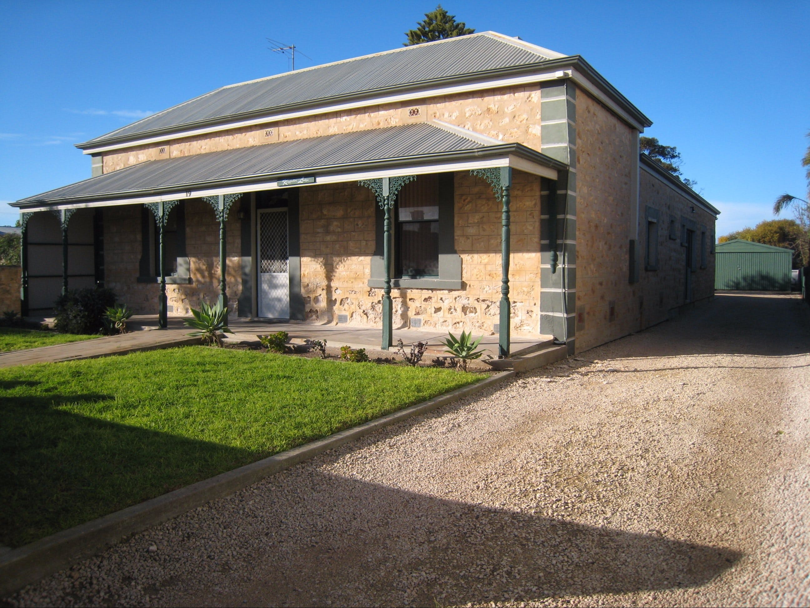 Kingfisher Lodge Edithburgh - Tourism Canberra