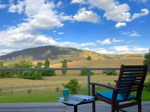 Adelong Valley Farm Stays - Moorallie Cottage - Tourism Canberra