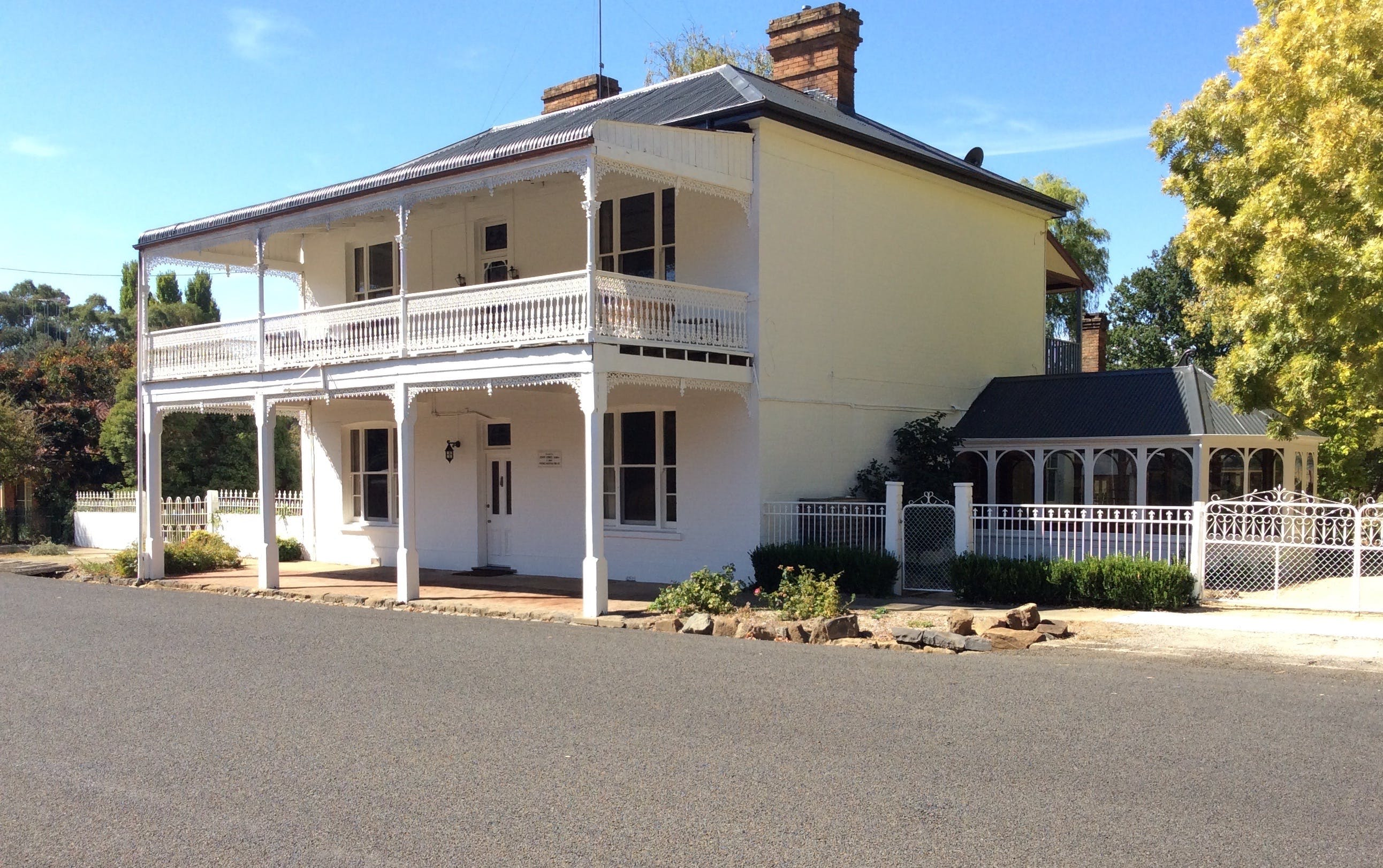 The White House Carcoar - Tourism Canberra