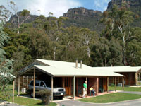 Halls Gap Log Cabins - Tourism Canberra