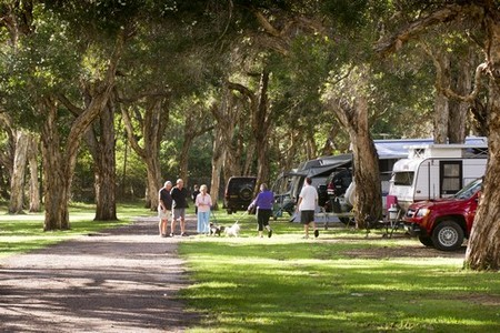 Beachfront Holiday Park - Tourism Canberra