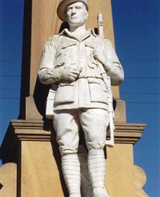 Beaudesert War Memorial - Tourism Canberra