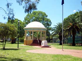 Kingaroy Memorial Park - Tourism Canberra