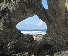 Glasshouse Rocks and Pillow Lava - Tourism Canberra