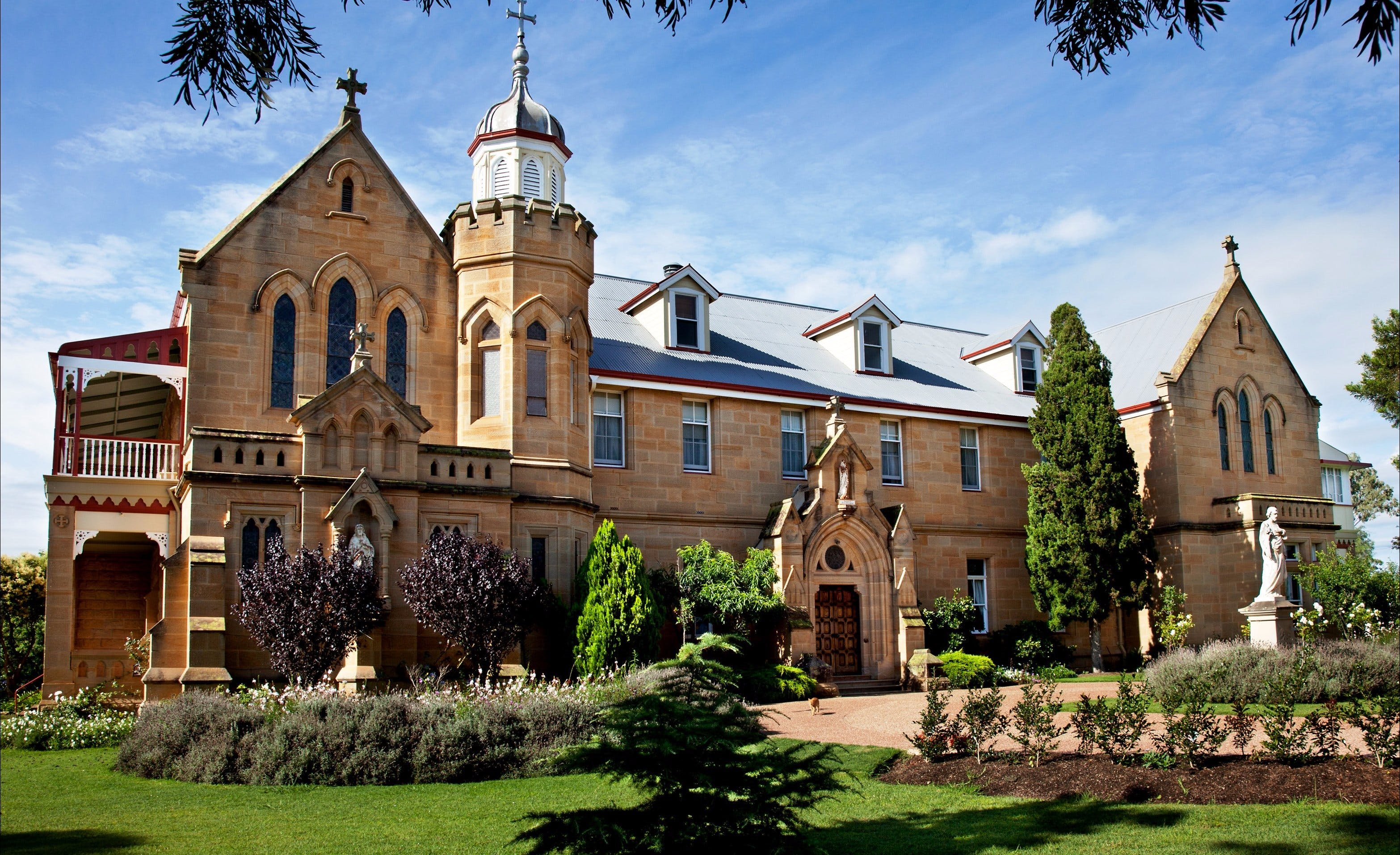 Abbey of the Roses - Tourism Canberra