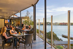 Lakes Resort Hotel - Tourism Canberra