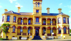 The Queenscliff Historic Royal Hotel - Tourism Canberra