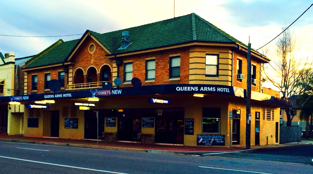 Queens Arms Hotel - Tourism Canberra
