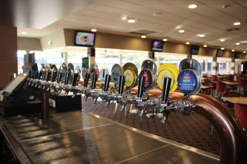 Ettalong Memorial Bowling Club - Tourism Canberra