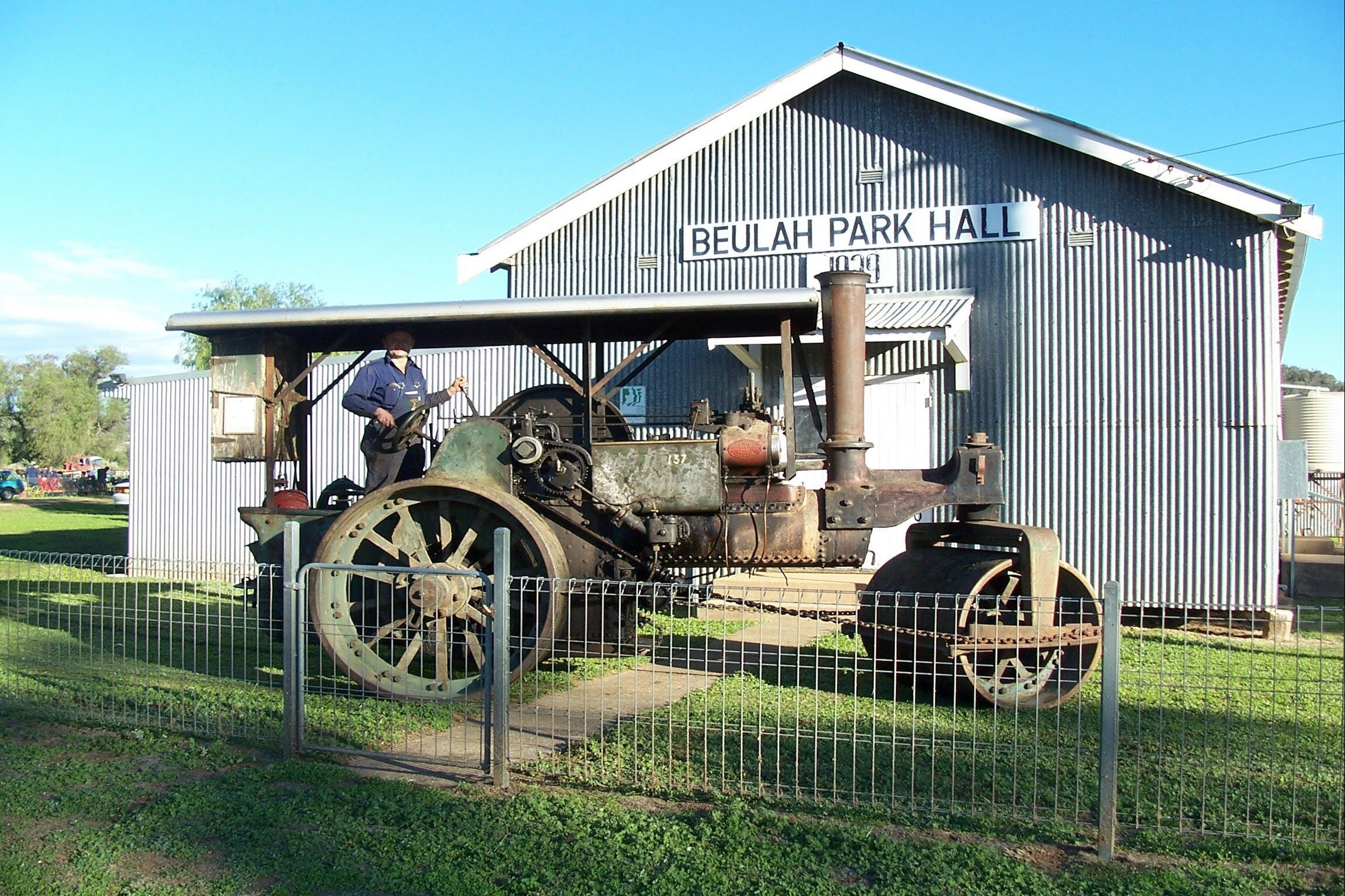 Eulah Creek Antique and Machinery Day - Tourism Canberra