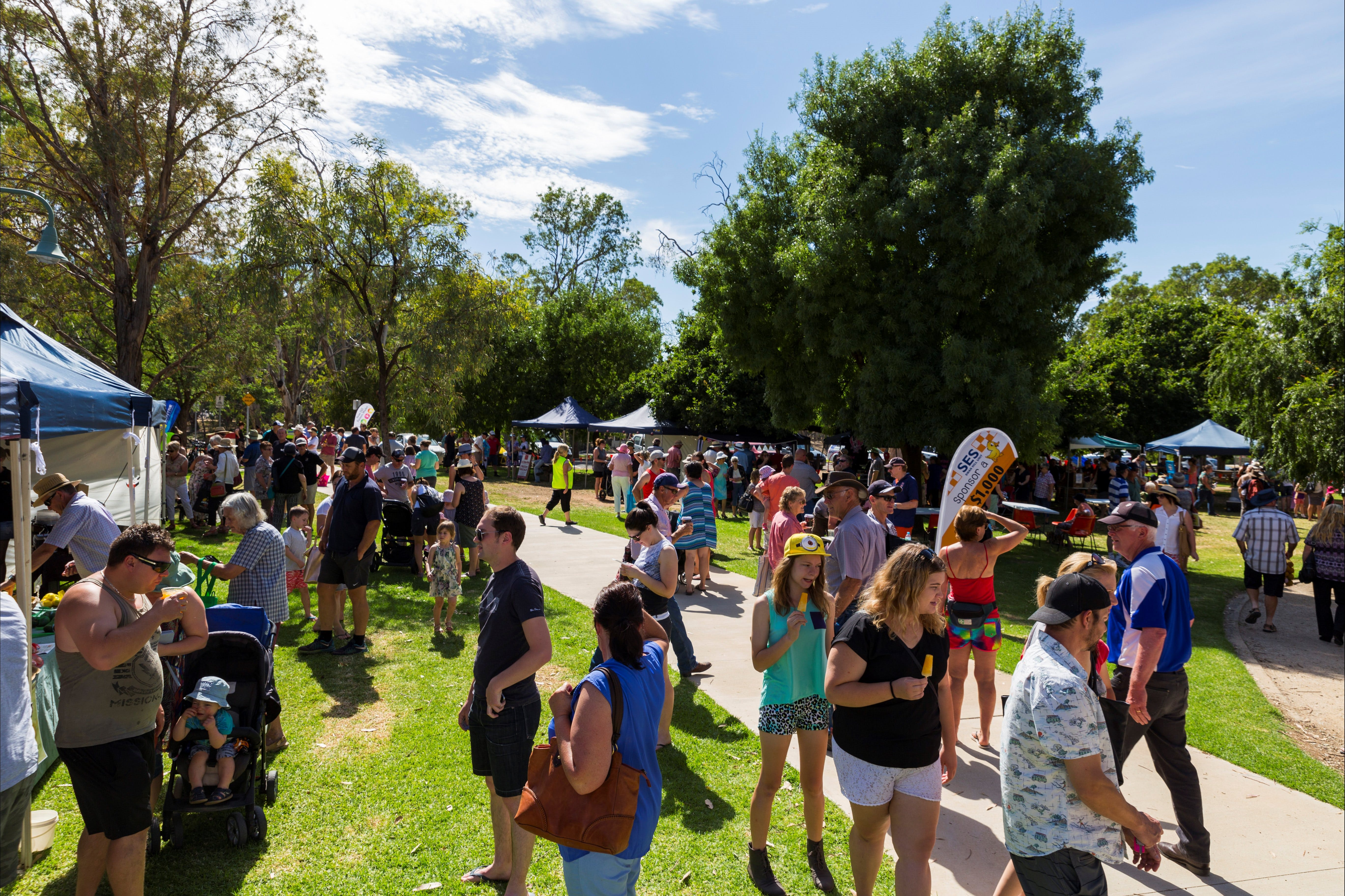 Swan Hill Farmers Market - Tourism Canberra