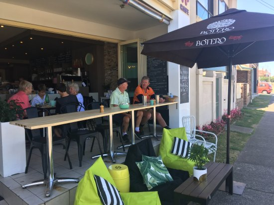 The Point Cafe - Tourism Canberra