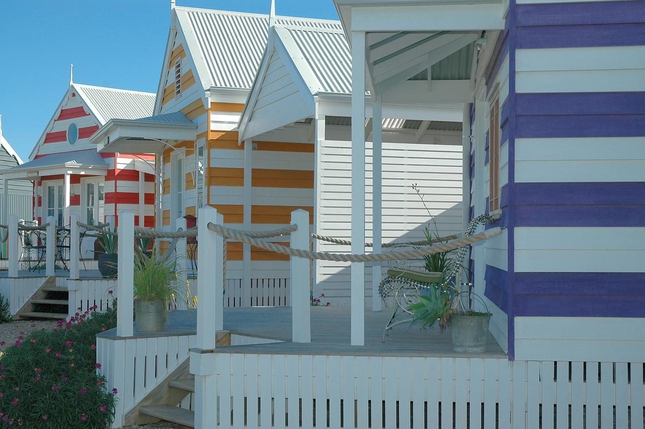 Beach Huts Middleton - Tourism Canberra