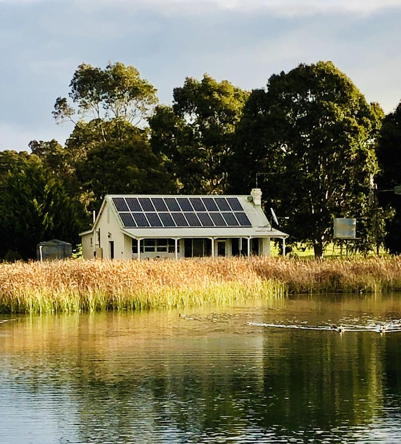 The Lake House Retreat - Tourism Canberra