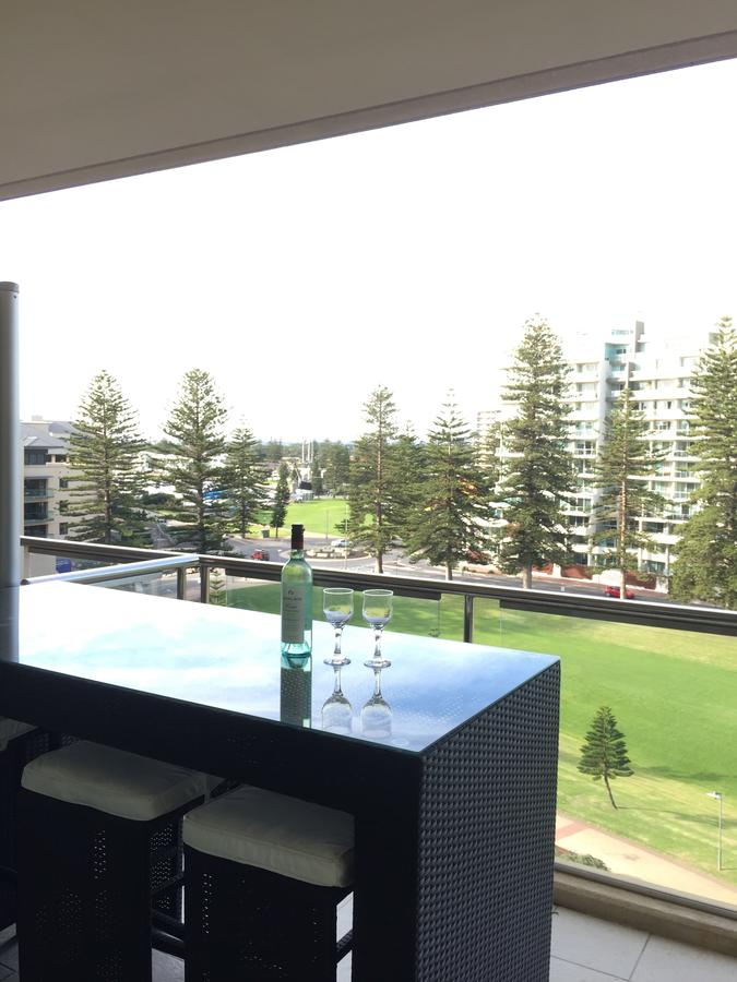 Beachside Luxury getaway in Glenelg - Tourism Canberra