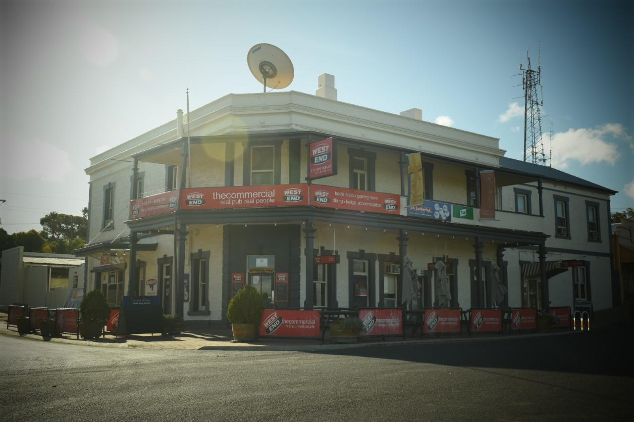 Commercial Hotel Morgan - Tourism Canberra