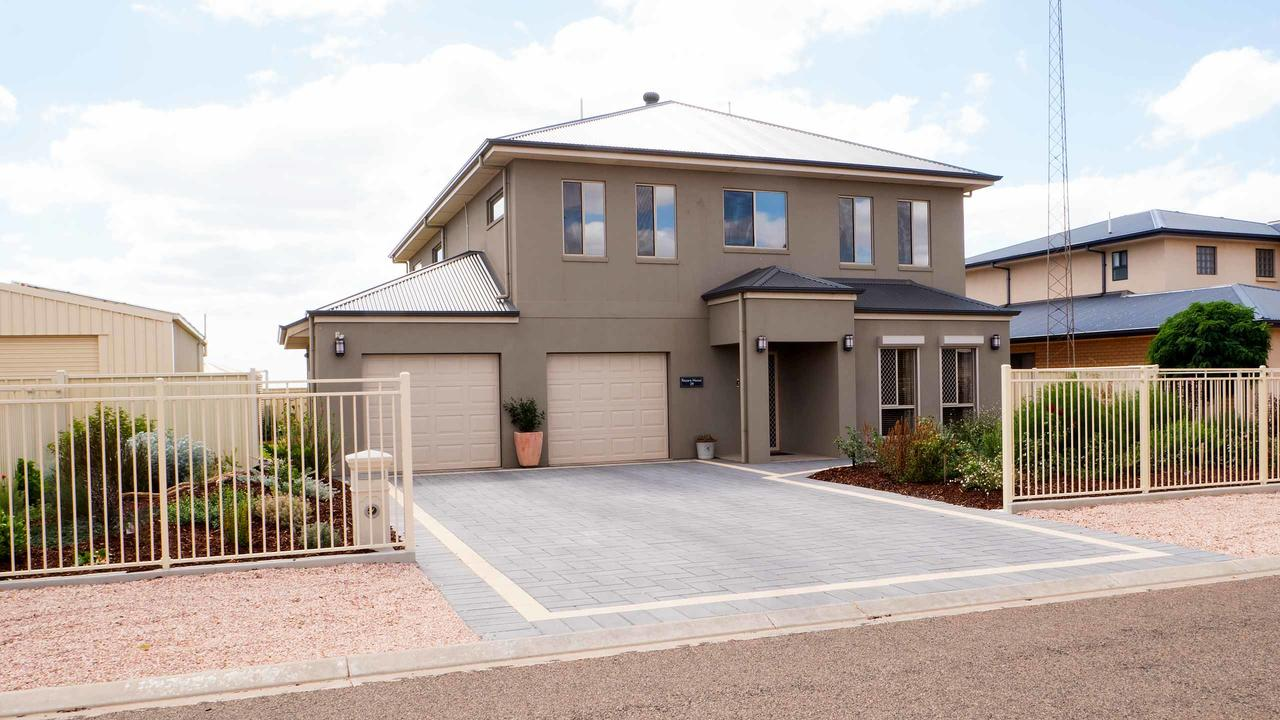 Rezare House Bed  Breakfast - Tourism Canberra