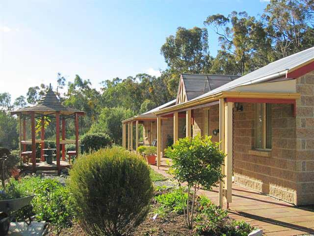 Riesling Trail  Clare Valley Cottages - Tourism Canberra
