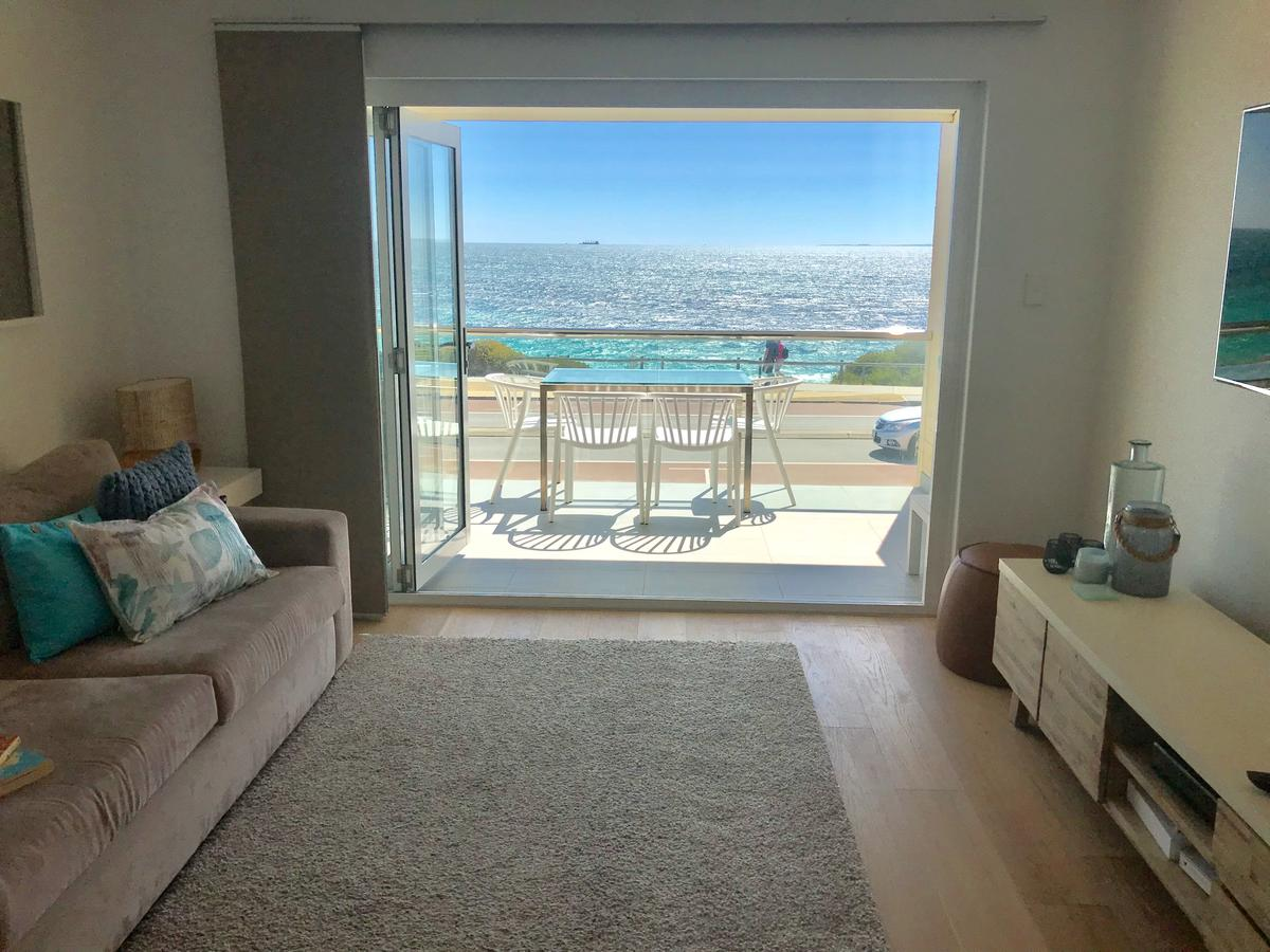 Cottesloe Beachfront Ocean View Apartment - Tourism Canberra