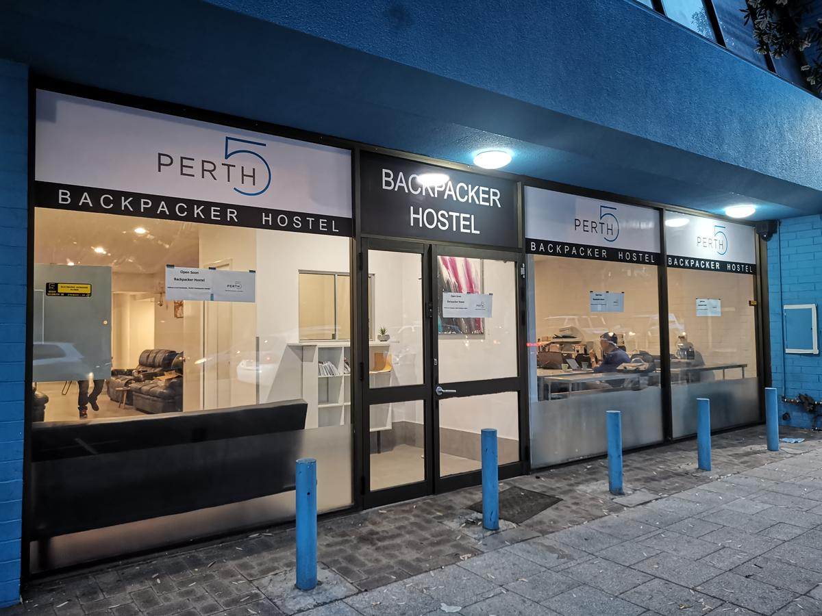 Perth 5 Backpacker Hostel - Tourism Canberra