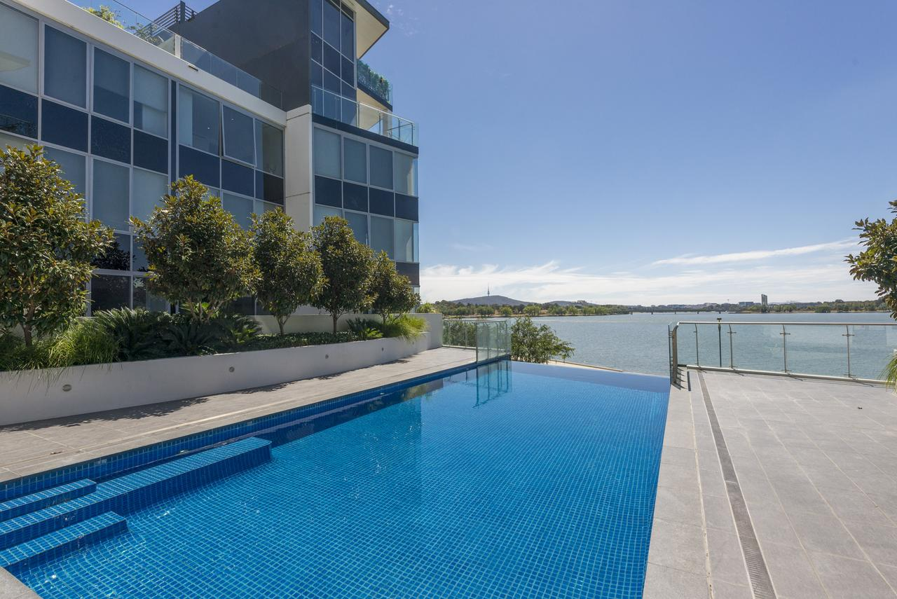 Accommodate Canberra - Lakefront - Tourism Canberra
