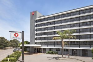 Travelodge Hotel Newcastle - Tourism Canberra