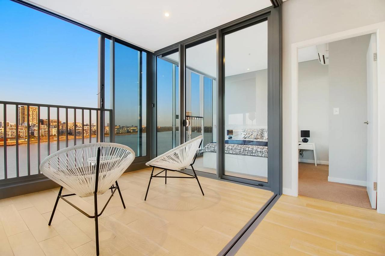 Brand New 3 Bedrooms Apt with Waterfront View - Tourism Canberra