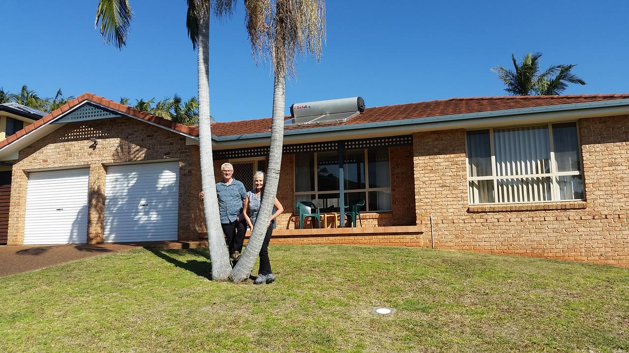 Twin Palms Holiday House at Lighthouse - Tourism Canberra