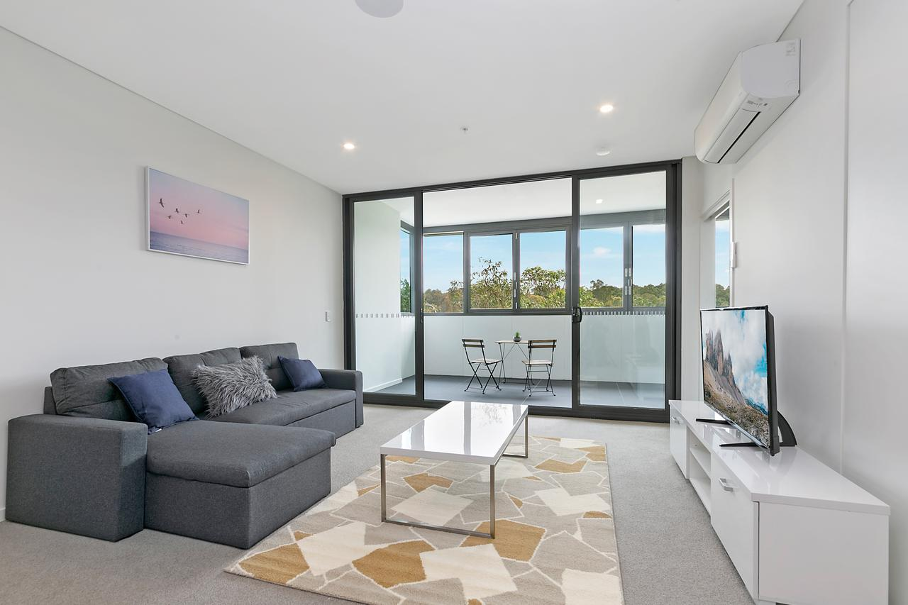 Stylish and Neat two bed apartment in Wentworth Point - Tourism Canberra