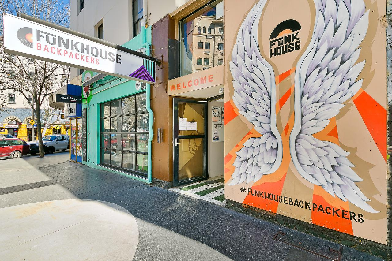 Funk House Backpackers - Tourism Canberra