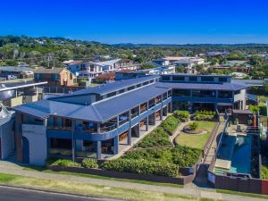 Lennox Holiday Apartments - Tourism Canberra