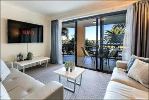 Gold Coast Apartment At Sandcastles On Broadwater - Tourism Canberra