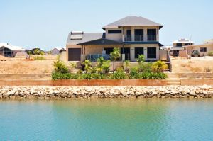 27 Corella Court - Exquisite Marina Home With a Pool and Wi-Fi - Tourism Canberra