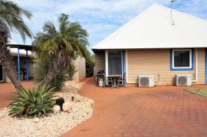 Osprey Holiday Village Unit 213/1 Bedroom - Spa bath king size bed perfect for any couple - Tourism Canberra