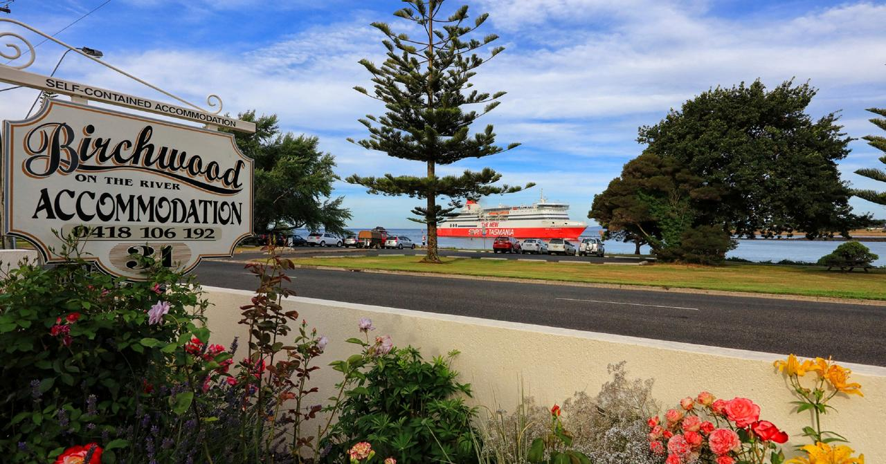 Birchwood Devonport self-contained self catering accommodation - Tourism Canberra