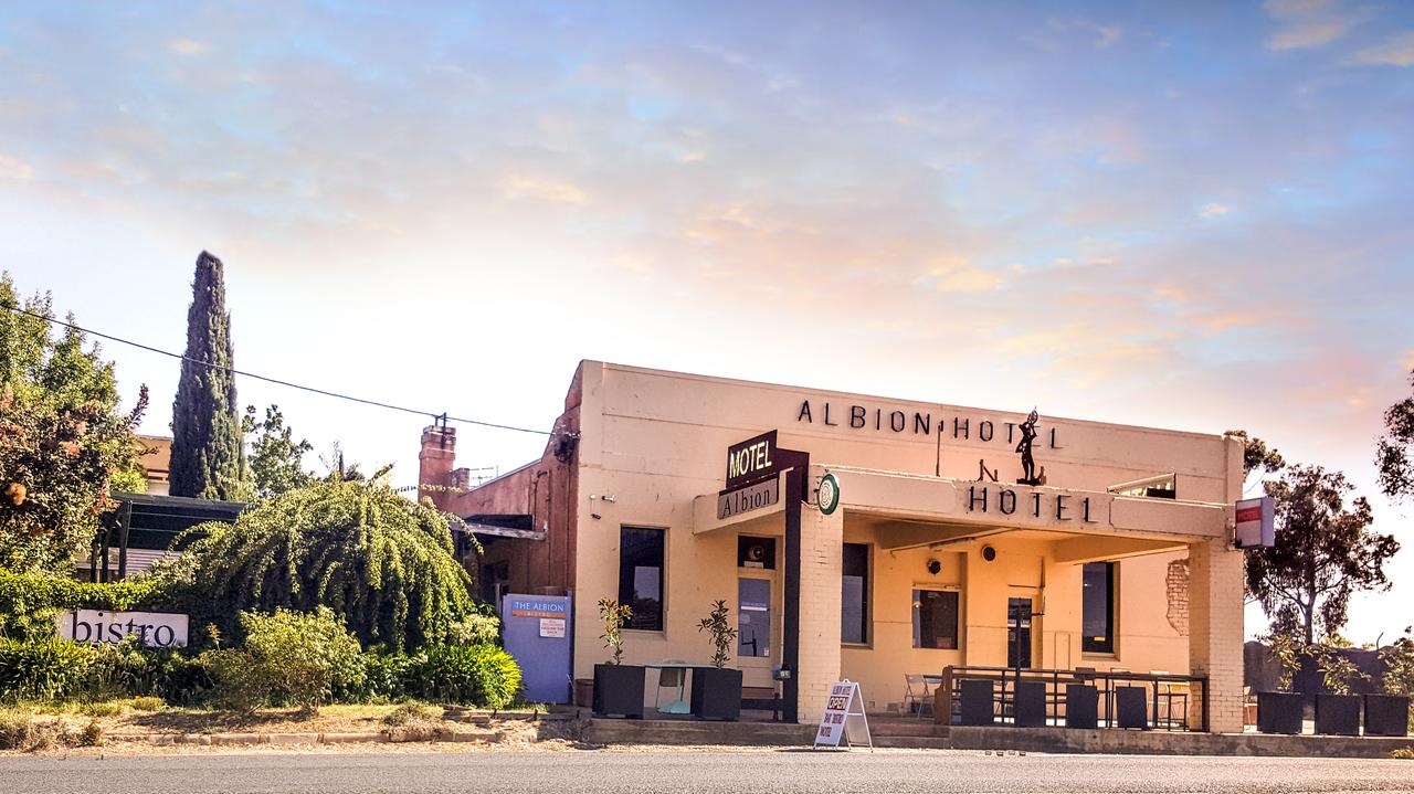 Albion Hotel and Motel Castlemaine - Tourism Canberra