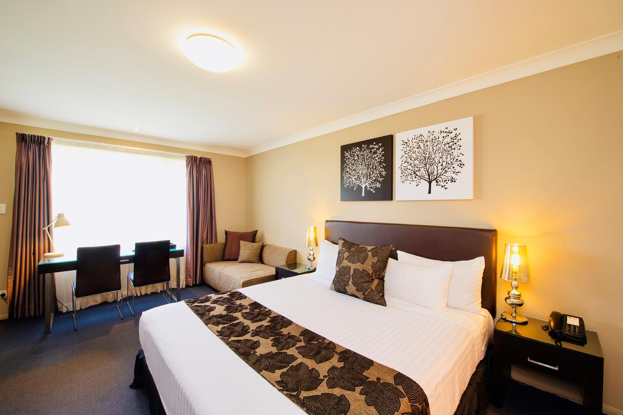 Best Western Plus Ambassador On Ruthven Motor Inn - Tourism Canberra