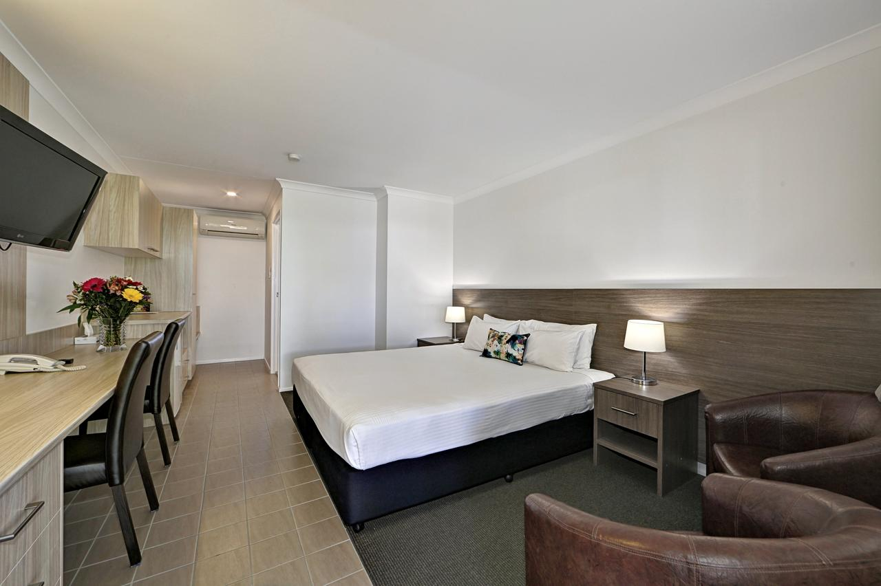 Smart Motels Bert Hinkler - Tourism Canberra